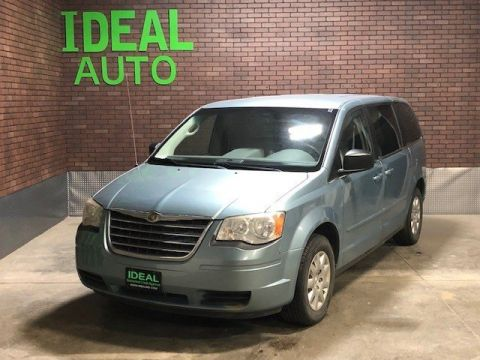 Pre-Owned 2009 Chrysler Town & Country LX